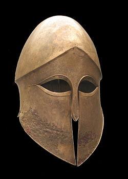 250px-Corinthian_helmet_Denda_Staatliche_Antikensammlungen_4330
